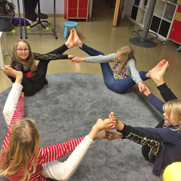 Medicinsk Yoga Barn och Ungdom
